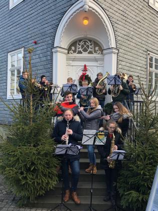 Weihnachtsgrüße Musikalisch.Meldung Bläserensemble Unterwegs Marienschule Brilon